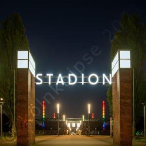 Stadion in Regenbogenfarben